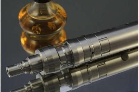Los cigarrillos electrónicos contienen sustancias desconocidas que podrían tener riesgos para la salud que aún no conocemos