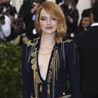 Gala MET 2018: no sabemos si Emma Stone se sabía la temática...