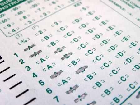 ¿Se puede adivinar un examen de aptitud por simple chiripa?