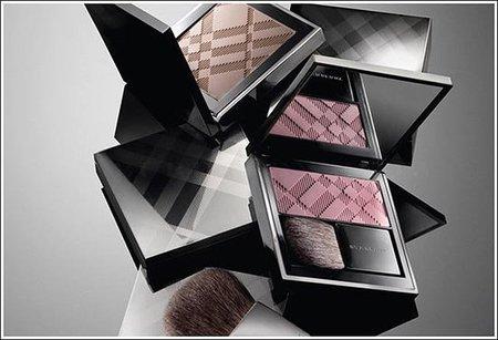 Burberry presenta su colección de maquillaje