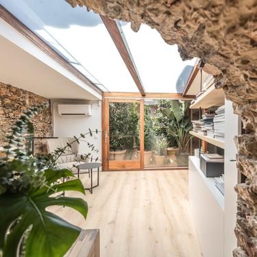 Luz, naturaleza y slow: las claves del nuevo estudio de interiorismo de Susanna Cots en el Empordà