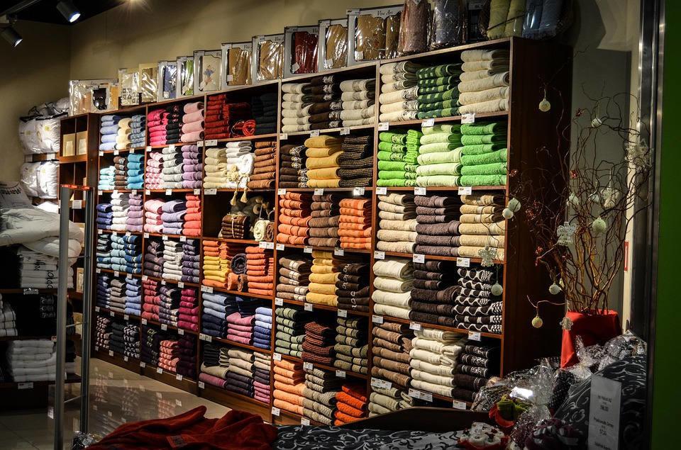 Pagar por probarse ropa, cuando el retail se convierte en escaparate del mayorista