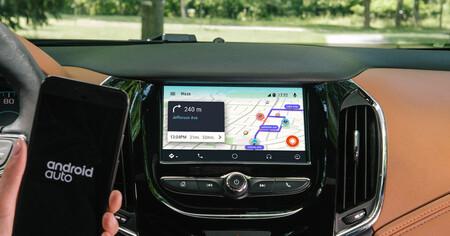 Google abre las puertas de Android Auto para poder usar más apps en el coche, además de Waze y Google Maps