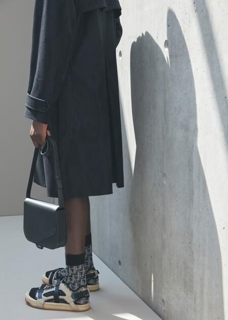 Dior nos indica que ya es tiempo de sandalias con su nueva colección Atlas (y sí, se llevan también con calcetines)