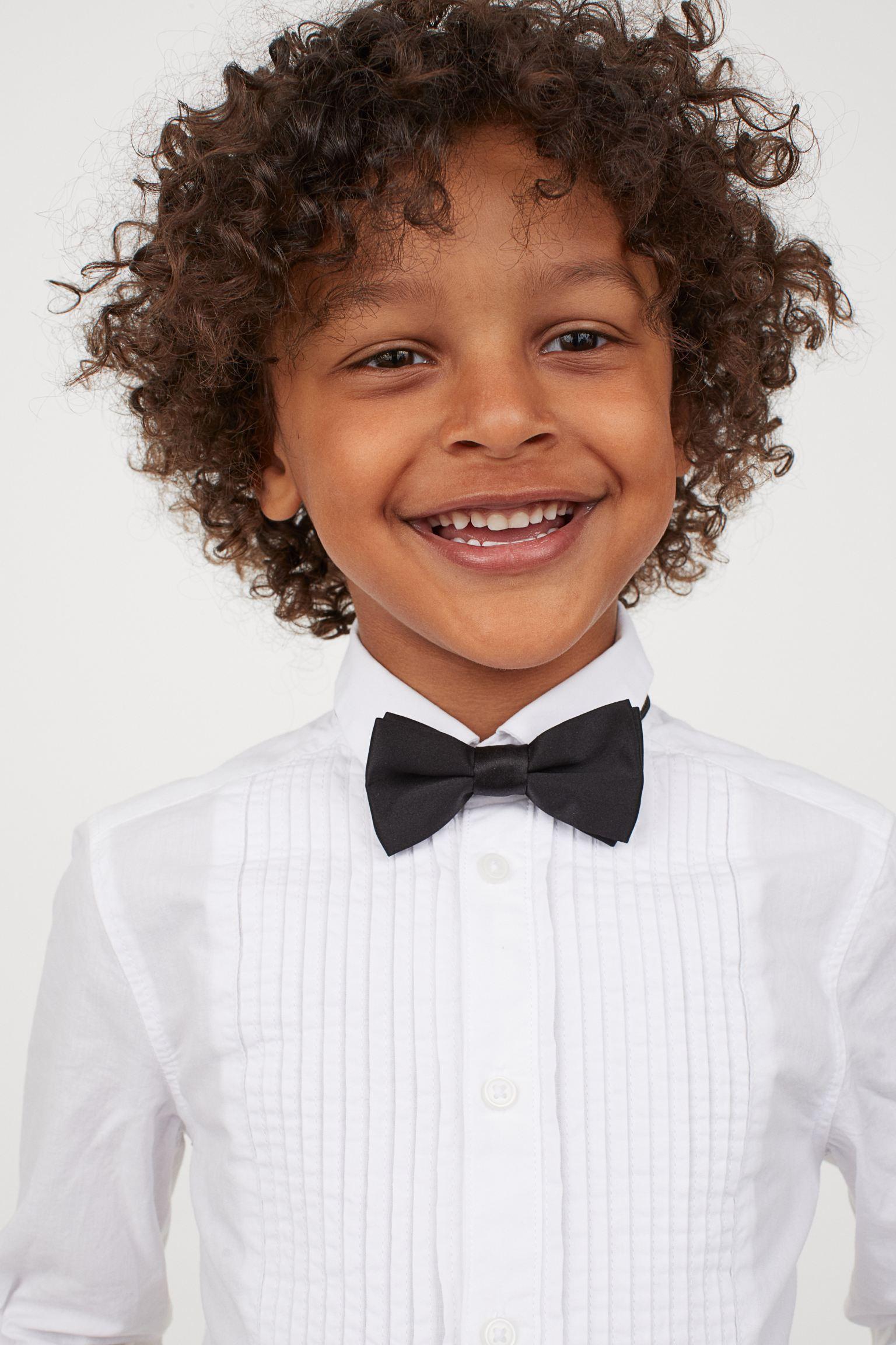 Camisa de esmoquin con pajarita incluida para niño