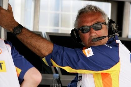 """Flavio Briatore también mete caña a Hamilton: """"Volverá a tirar el título"""""""