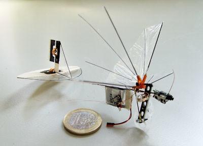 El dron con cámara más pequeño tiene una masa de solo 3 gramos