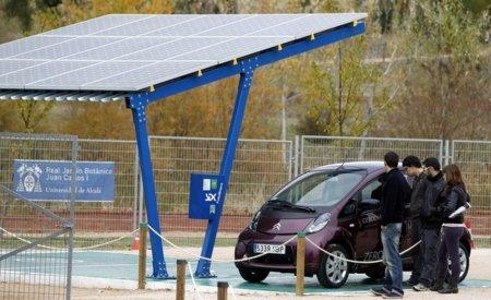 Aparcamiento solar para vehículos eléctricos