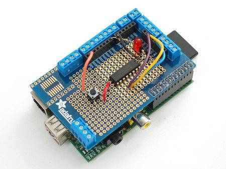 Interesante placa de prototipado para la Raspberry Pi