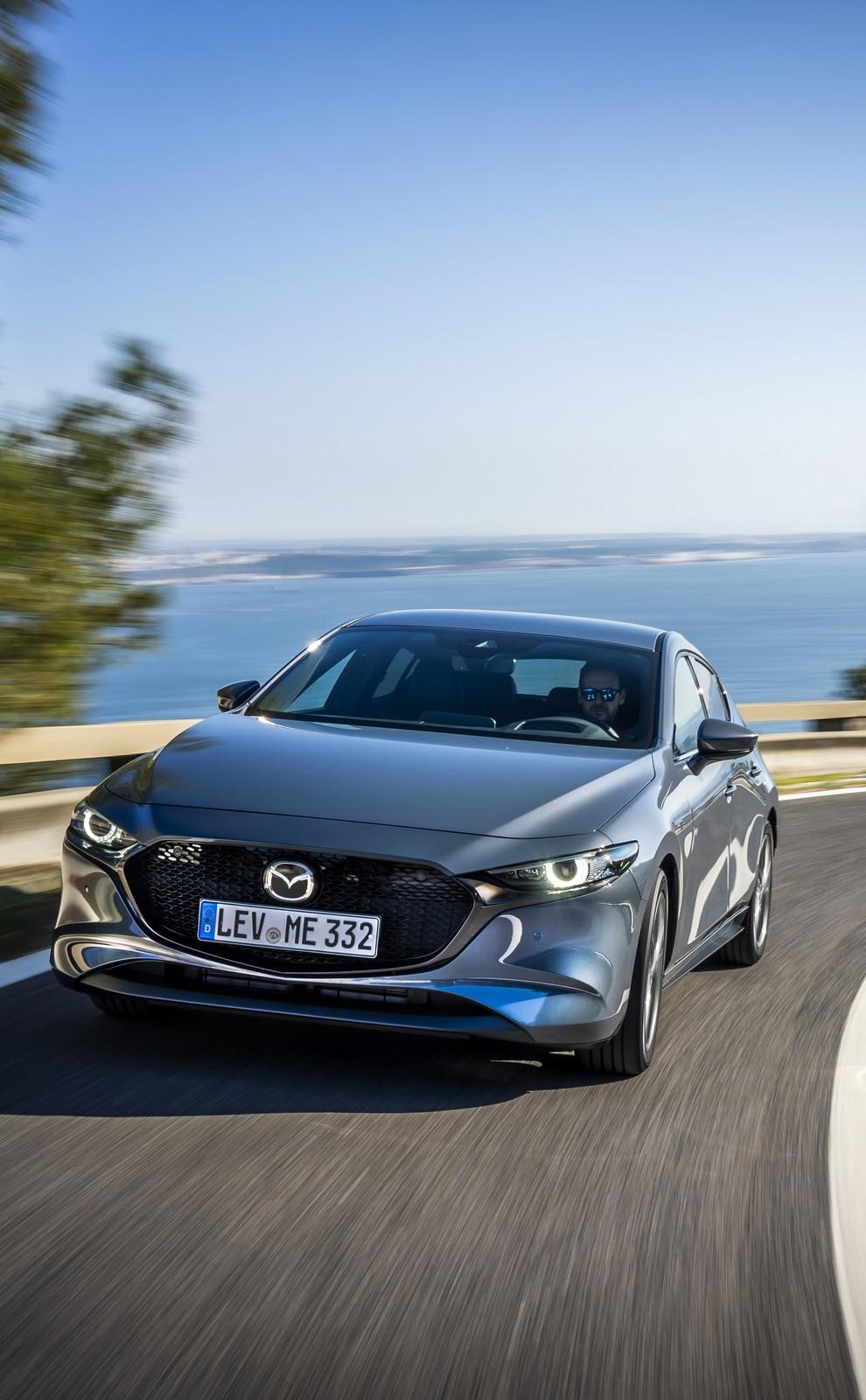 Foto de Mazda3 2019 (32/128)