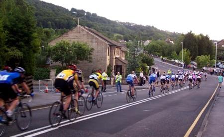Por qué el atletismo ha superado mejor sus escándalos de dopaje que el ciclismo