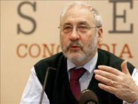 """Stiglitz: """"Estamos entre la espada y la pared"""""""