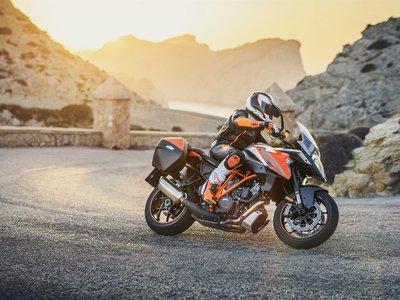 Asegúrate de que tu moto está tan lista como tú para las vacaciones, revisando estos 5 puntos