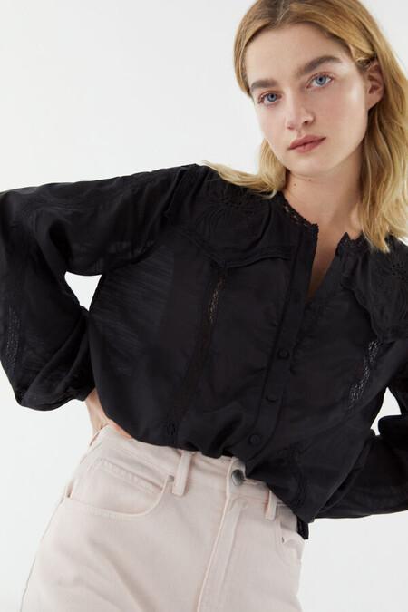 Tiana Camisa Romantica Con Apliques