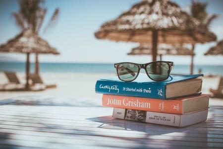 Con estas nueve novelas, disfrutarás de la lectura y de tus vacaciones al mismo tiempo
