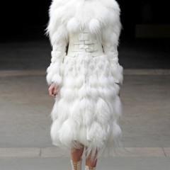 Foto 6 de 27 de la galería alexander-mcqueen-otono-invierno-20112012-en-la-semana-de-la-moda-de-paris-sarah-burton-continua-con-nota-el-legado en Trendencias