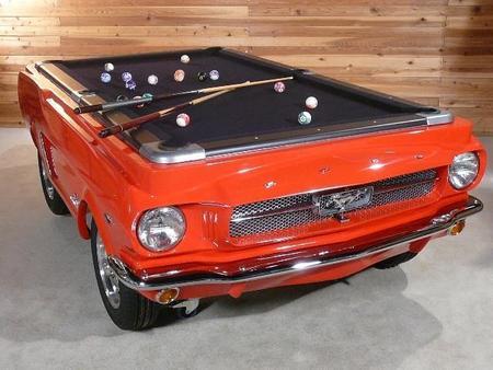 Un Mustang 1965…¡convertido en mesa de billar!