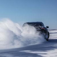 Porsche Taycan se somete a pruebas extremas de -35° y hasta 50° de temperatura