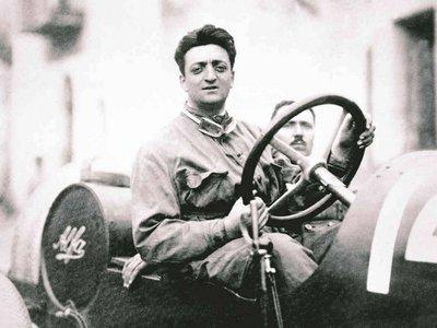 La policía italiana desbarata los planes de una banda que pretendía (agárrate) robar el cuerpo de Enzo Ferrari