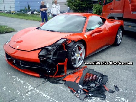 Ferrari 458 Italia accidentado