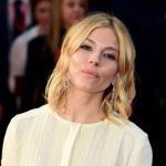 Sienna Miller vuelve a conquistarnos con su look folk en el BFI London Film Festival