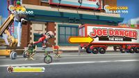 En 'Joe Danger: The Movie' podremos correr hasta con un oso montado en monociclo. Y con un sombrero fiestero