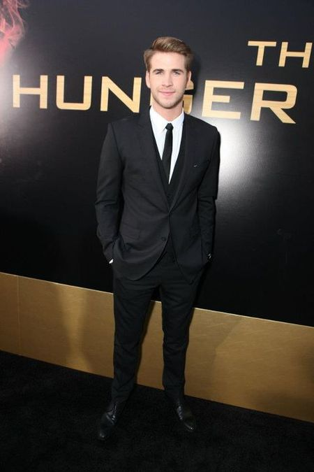 liam hemsworth hunger games premiere