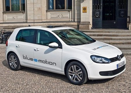 Volkswagen Golf blue-e-motion, primicia en Madrid
