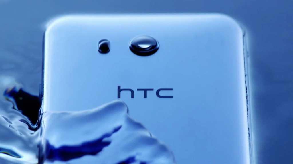 apps HTC deleted start returning to Google Play, the manufacturer explains the reason