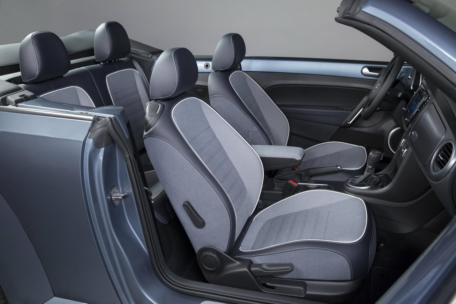 Foto de Volkswagen Beetle Cabrio Denim Edition (10/17)