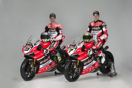 El Aruba.it Ducati ya está listo para 2017 y trae dos años más de contrato para Chaz Davies