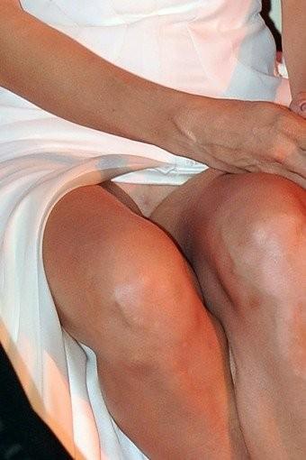 En Cannes tiene que hacer calor... porque Uma Thurman va sin bragas a las ceremonias