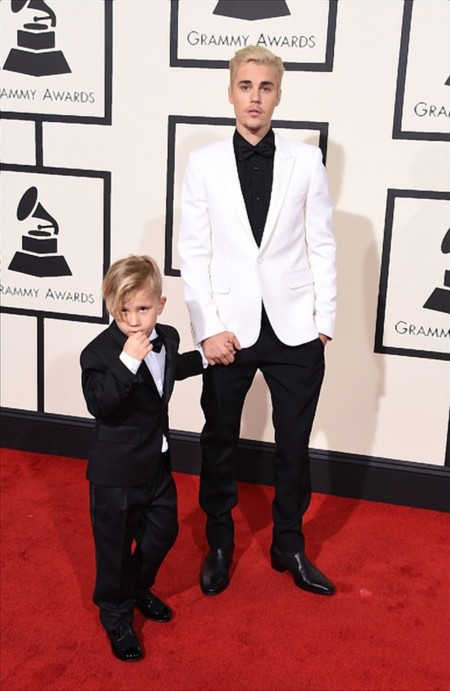 Justin Bieber Grammy Awards Red Carpet 2016 2