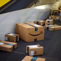 Detenidos cinco trabajadores de Amazon en Madrid por robar más de 500.000 euros en iPhones y otros móviles