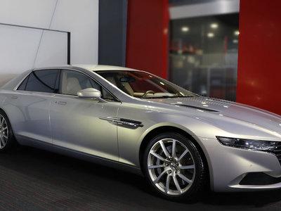 Tómalo o déjalo: Este raro Aston Martin Lagonda Taraf está a la venta