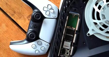Así rinde una tarjeta SSD externa en PS5 frente al almacenamiento interno de la consola de Sony