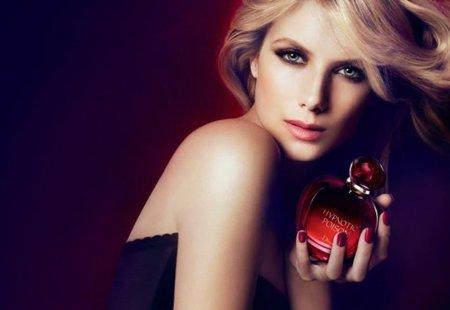 Rubia eres y en un anuncio de Dior te convertirás. Melanie Laurent para Dior Hypnotic Poison