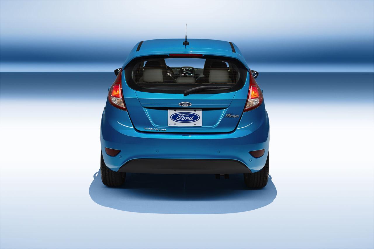 2014 Ford Fiesta 5 Puertas 4 14