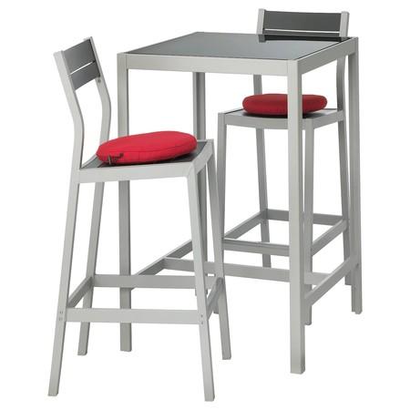 Mesa y taburetes Ikea
