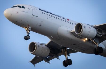 Billetes más caros y vía libre a jets privados: así funcionará el nuevo impuesto a la aviación de la UE