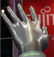 Fujitsu Bracelet, concepto de muñequera ordenador [CES 2008]