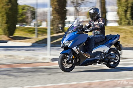 Yamaha Tmax Dx 2018 020