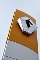 Renault presenta una demanda contra gente desconocida por el caso de espionaje industrial