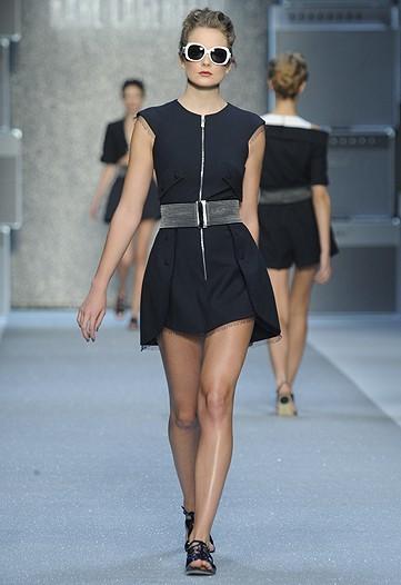 Foto de Karl Lagerfeld, Primavera-Verano 2010 en la Semana de la Moda de París (9/15)