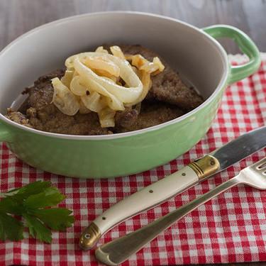 Hígado encebollado, receta tradicional española