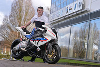 Con todo atado para correr con Kawasaki, ¡Michael Dunlop no aparece en la cita para firmar!