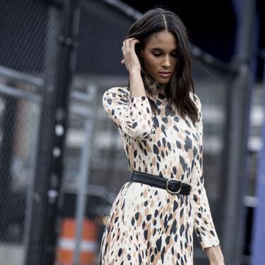 Cómo llevar un vestido de leopardo: claves de estilo para acertar siempre