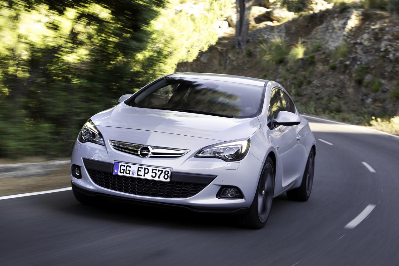 Foto de Opel Astra GTC (55/90)