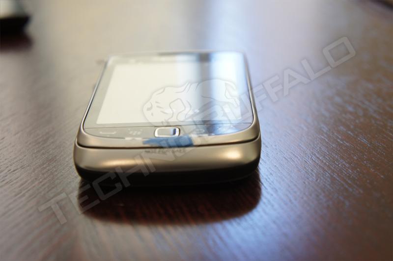 Foto de BlackBerry Torch 2 9810, más imágenes del nuevo híbrido de RIM (20/22)