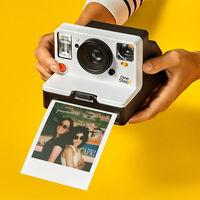 Polaroid OneStep 2, una nueva cámara instantánea con la que vuelve a resurgir